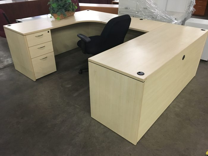 Maple U-Shaped Desk