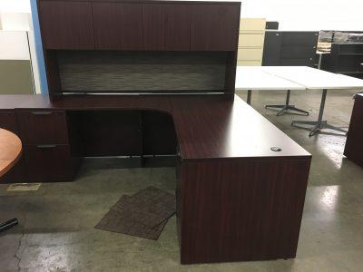 Mahogany L-Desk with hutch