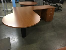 Peninsula Top L-Desk