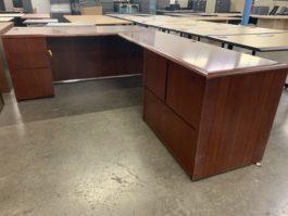 Cherry L Desk Set
